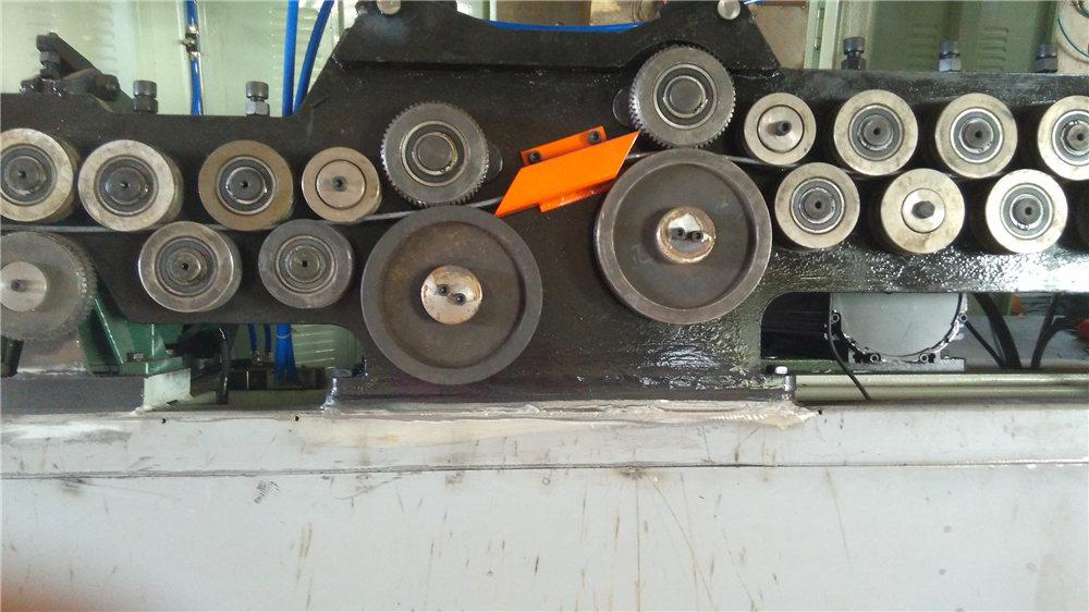 Автоматична машина для згинання стремена