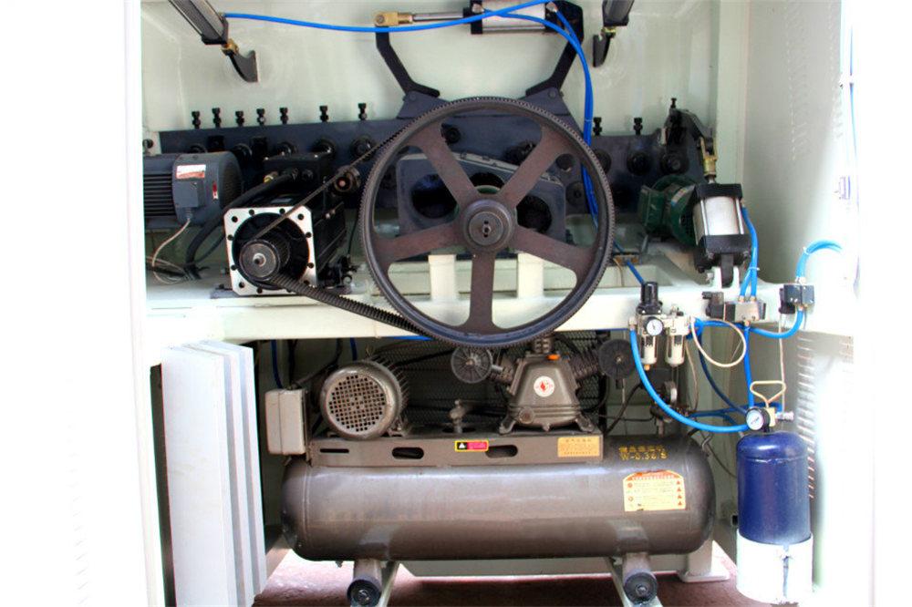 Машина для згинання дроту з ЧПУ4